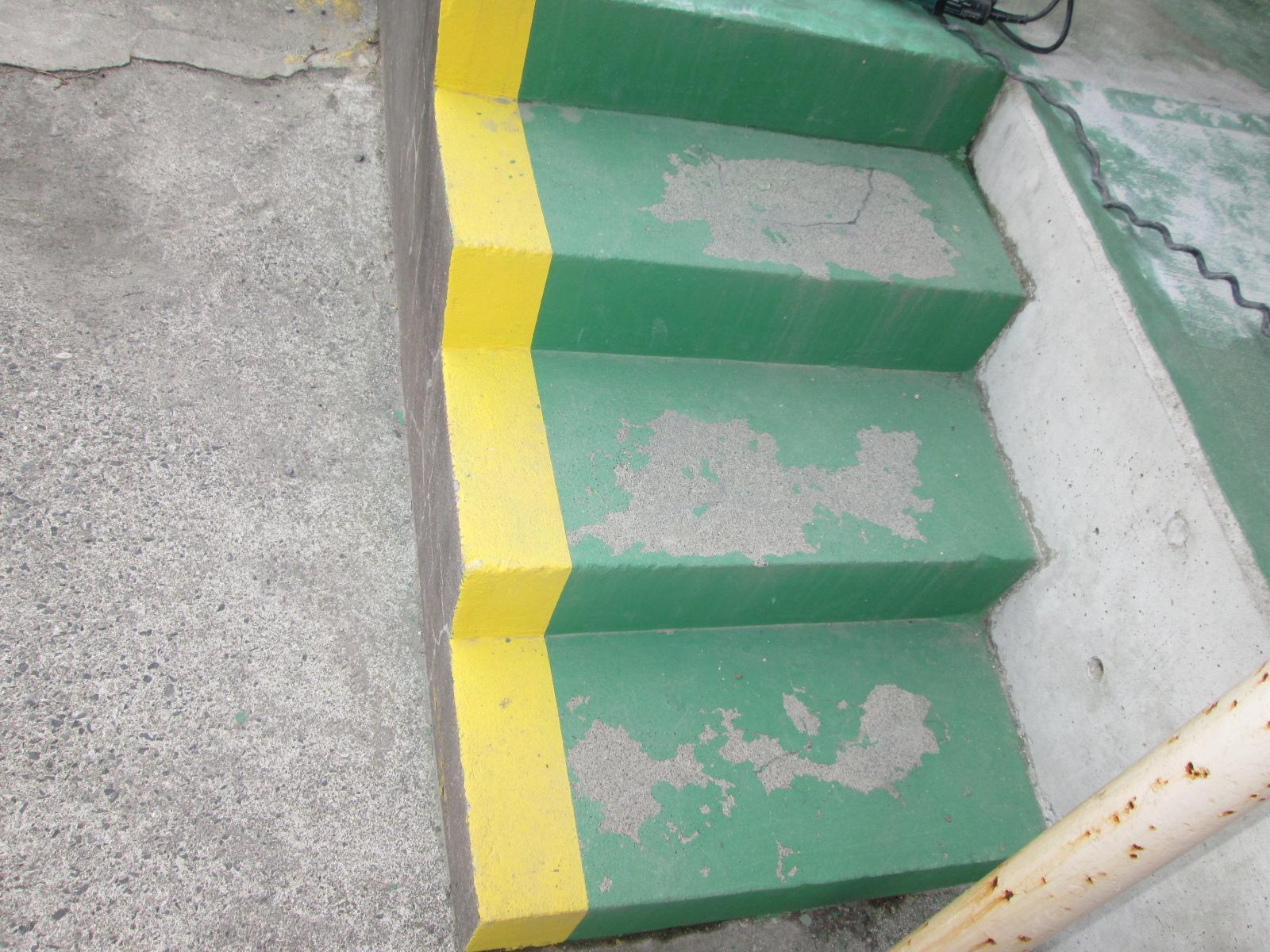 床防滑シート工事(階段)のイメージ画像